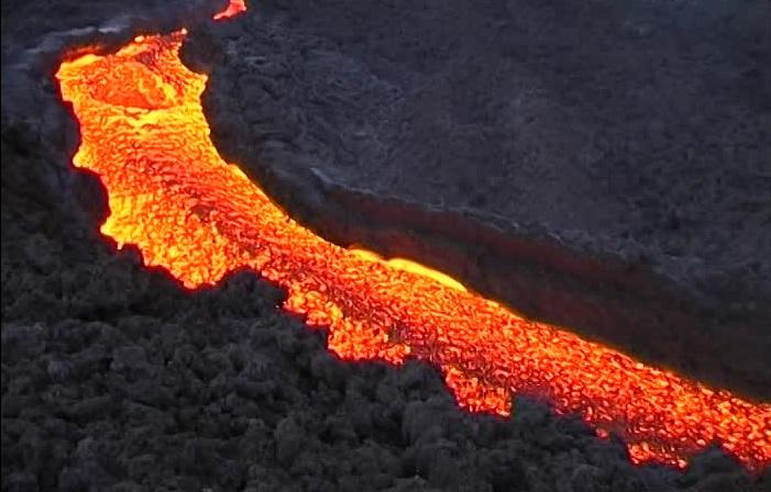 البركان الكامن