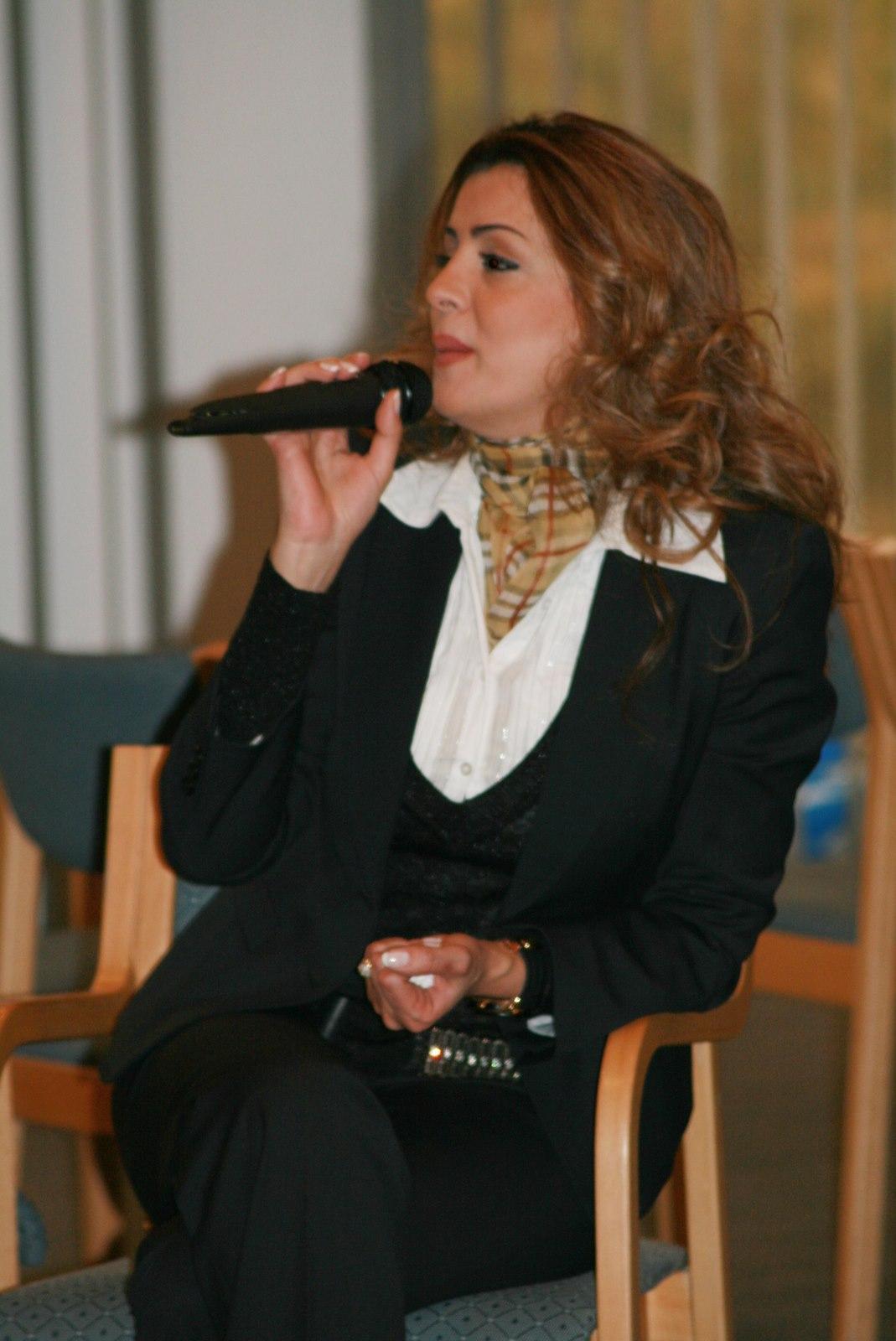 """دة. عصمت حوسو - جامعة عمّان الأهلية - تدريب """"قادة الغد"""" Leaders of Tomorrow"""