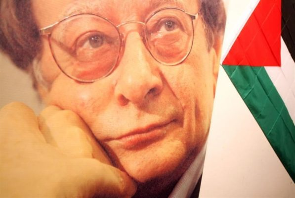 محمود درويش - للعابرين على جسده، لن تمرّوا